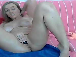 Hot female masturbation 1fuckdatecom