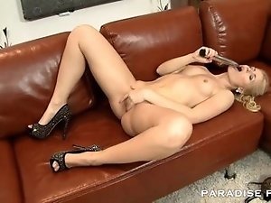 PARADISE FILMS Pink Squirting Pussy